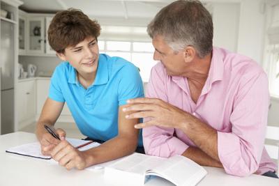 Os pais devem estar com os filhos na fase pré-vestibular