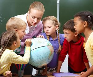 Pedagogia atua com compreensão das fraquezas e fortalezas dos alunos