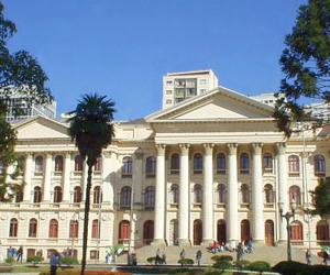 UFPR atuou como faculdade particular até 1950